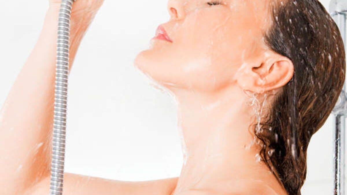 Selbstbefriedigung Mit Duschkopf