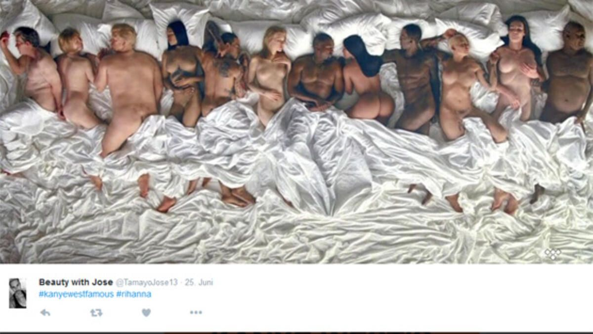Nackte Bilder im Bett