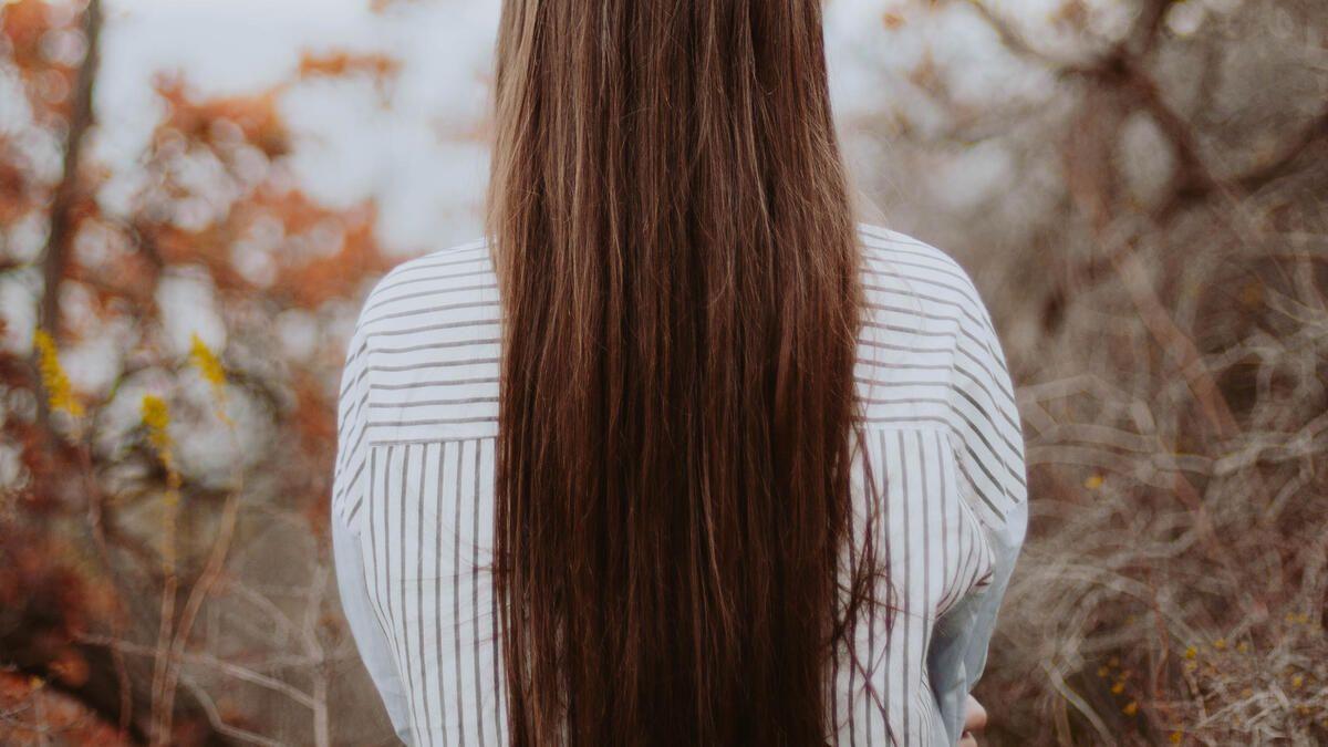 Frau mit den längsten haaren