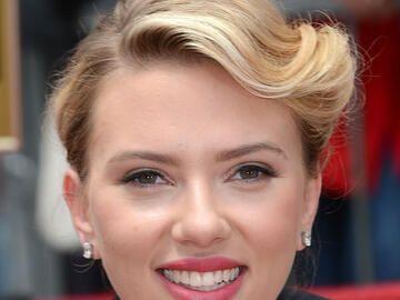 Mittellange Frisur Von Scarlett Johansson