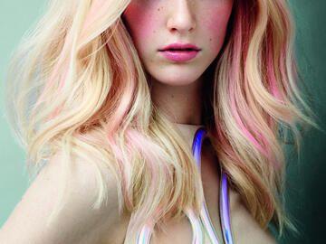 Haarfarbe Blond Rose Mittellange Haare