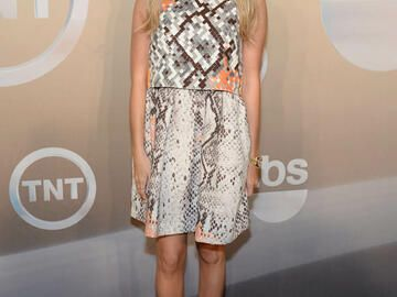 Ashley Tisdale mit Schlangen-Print