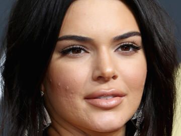 Kendall Jenner Pickel quer