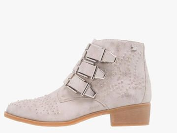 Light Ankle Boot