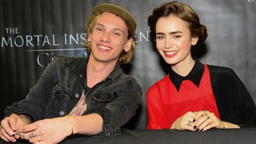 jamie-campbell-bower-lily-collins-trennung-557-1842384.jpg