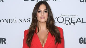 Ashley-Graham-Victorias-Secret-quer